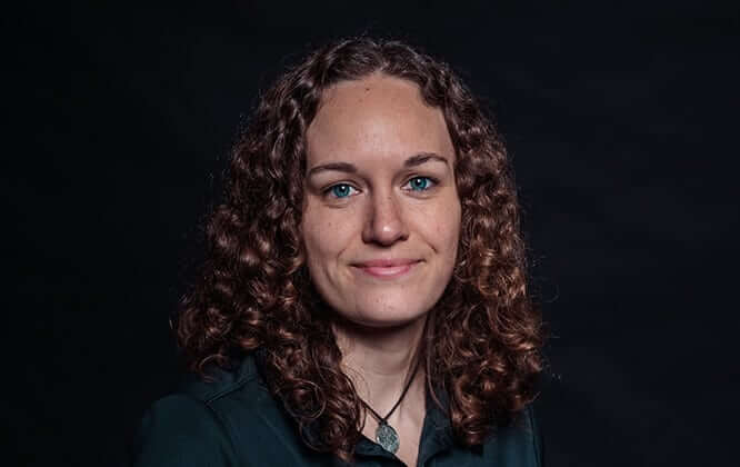 Victoria Wopat - Azubine